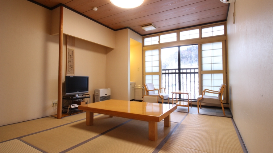 *[和室8畳一例]シンプルで落ち着いた雰囲気の客室です