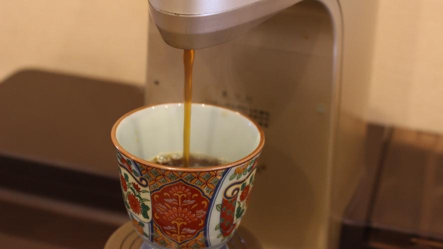 *[モーニングコーヒー]朝、客室フロアにモーニングコーヒーをご用意しております。ご自由にどうぞ!