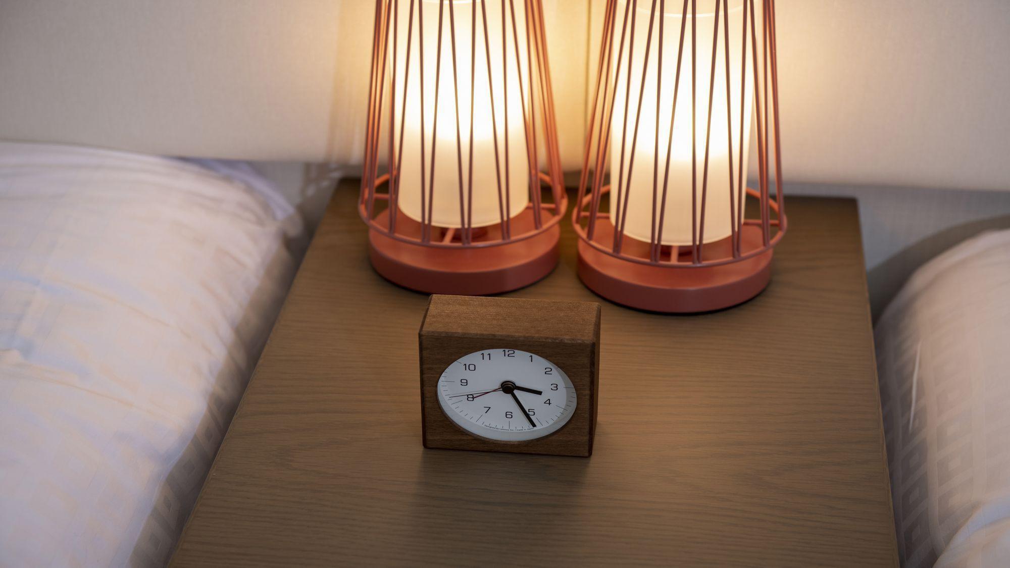 【客室設備】ほのかに灯るベッドライト