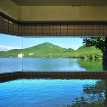 【レークサイド温泉】豊富な湯量を誇る榛名湖温泉