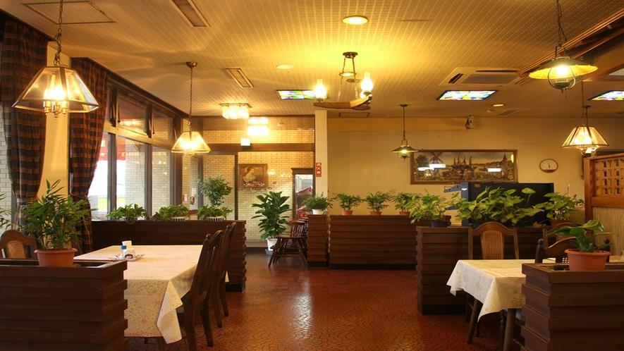 【施設】レストラン風車(11~14時、17~22時)ランチは和食・洋食あります♪