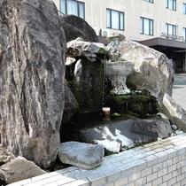 【施設】敷地内で湧き水も☆レストランでも使用されている天然水です。持ち帰りOK