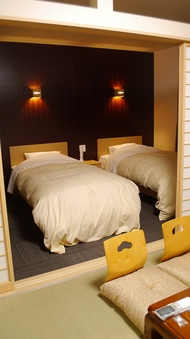 【和洋室・禁煙】15.5畳ベット2台付 2名〜5名部屋