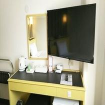 40型テレビ!お部屋で映画鑑賞はいかがでしょうか