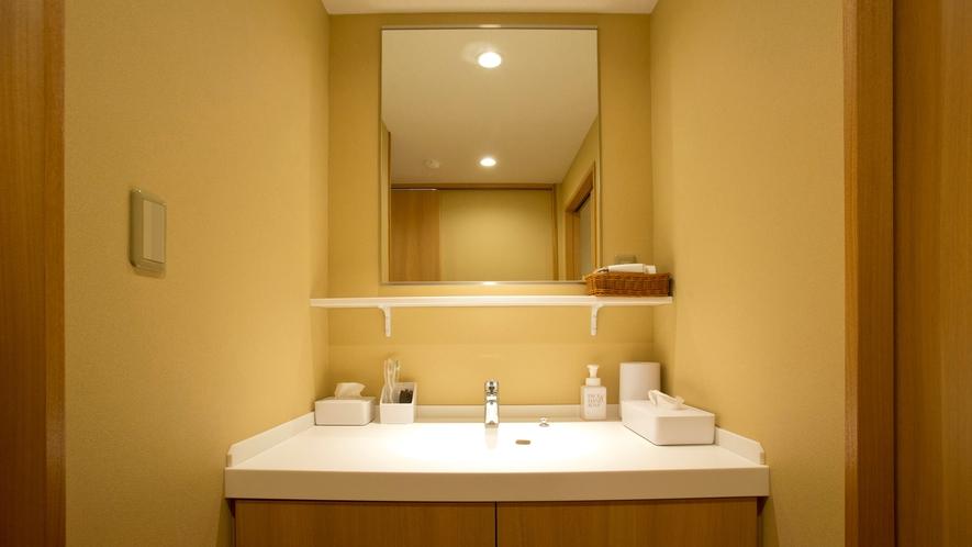 本館【和モダン】【洋室】【和室10帖】洗面所