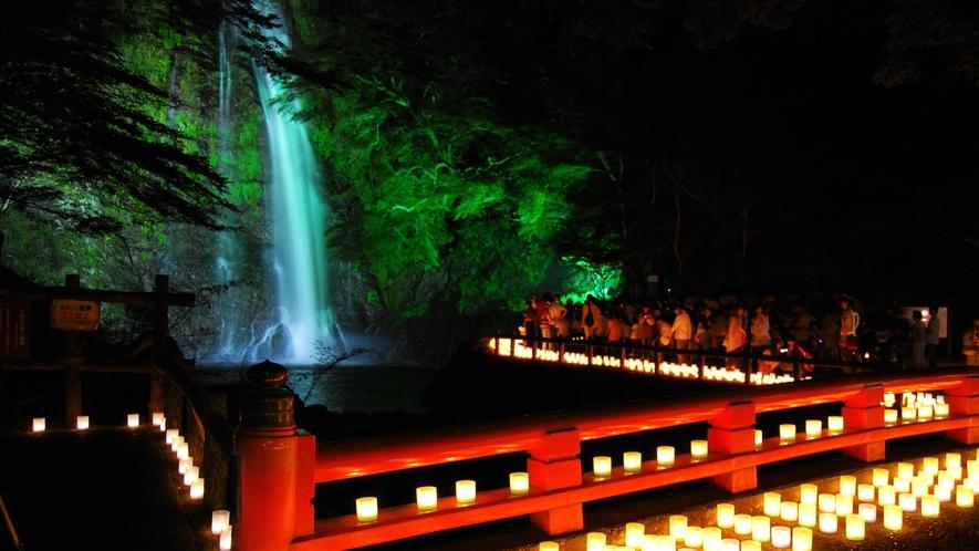 箕面大滝(キャンドルロード)