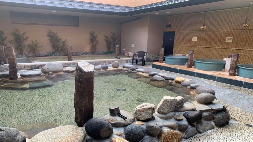 ◆女子岩風呂(湯温:41℃)