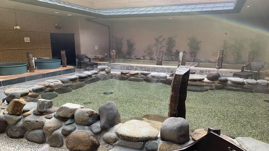 ◆男子大浴場 岩風呂(湯温:41℃)