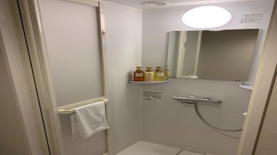 ◆シャワーブース(時間がないときはお部屋のシャワーで!)