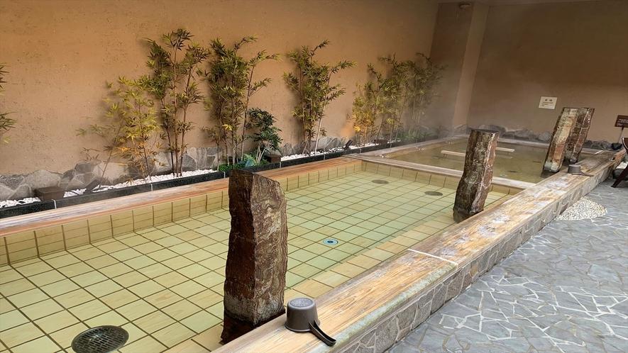 ◆男子大浴場外檜(湯温:38℃)