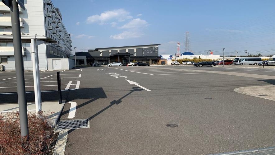 ◆ホテル敷地内第一駐車場(無料でご利用頂けます)