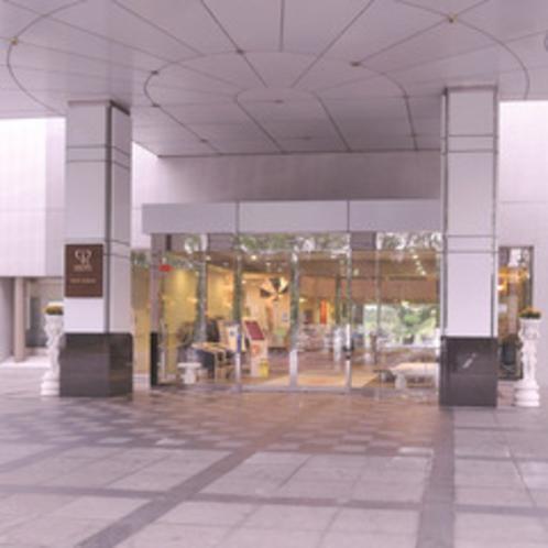 【ホテルアザリア入口】建物はアザリアの花弁をモチーフにしたユニークな造り