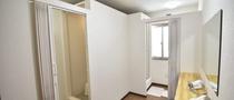 女性用シャワー室前室