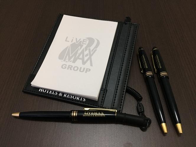 ロゴ入りメモ帳、ボールペン