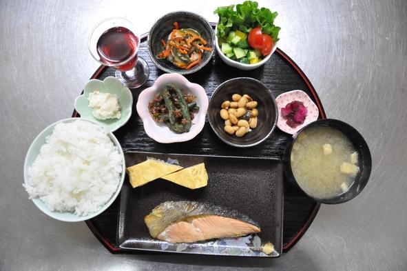 【秋冬旅セール】朝食を食べて朝から元気に観光を☆からつの絶景を望む宿。(朝食付)