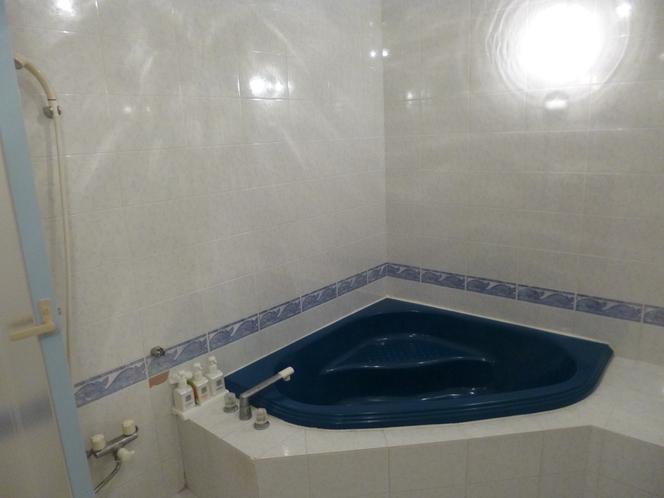 「ダブルルーム・ソファーベット・マッサージチェア付き」のお風呂
