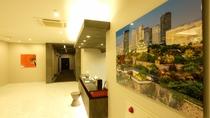 館内には様々な写真を展示しております。和を基調とし日本らしい空間づくりを心がけております。