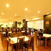 1Fにはレストラン「RINKU」。全席88席。