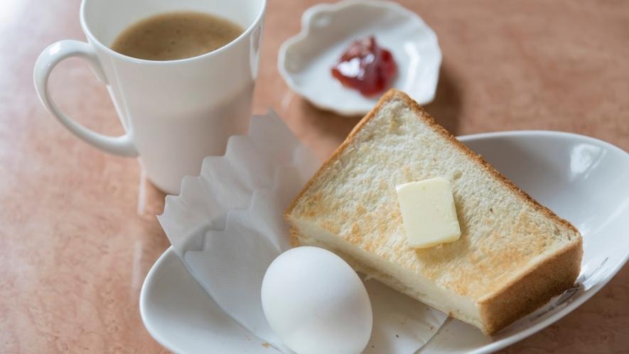 【朝食】セルフサービスなのでお好きな物をチョイスしてください!コーヒー、トーストで洋風にも♪