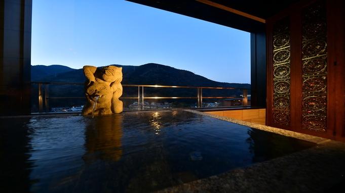 【揺らぎの間-露天風呂付客室】露天風呂付きテラスより山並みが望めます♪