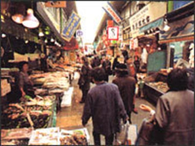 たんが市場(小倉の台所・活気ある北九州一の市場)