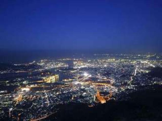 皿倉山からの夜景(日本新三大夜景に選ばれました)