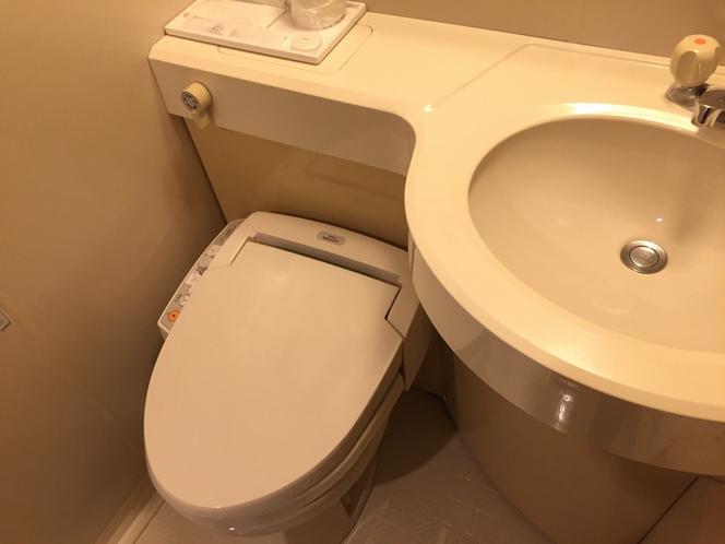 バスルーム。TOTOウォシュレット完備