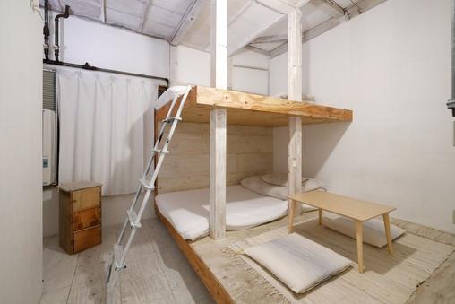 【個室】秘密基地のような白いお部屋
