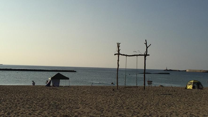 夕日ヶ浦人気のビーチブランコ