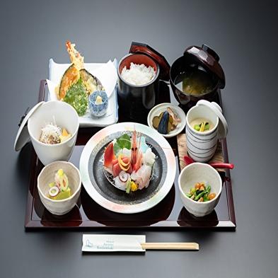 【朝・夕食付】アラカルトメニュー夕食チケット2000円分付き♪ 新潟産コシヒカリを堪能