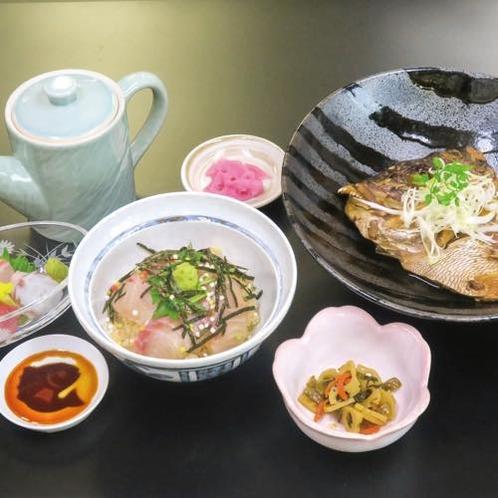 【ディナーメニュー 鯛づくし御膳】  郷土料理の鯛茶漬けが味わえる特別メニューです♪