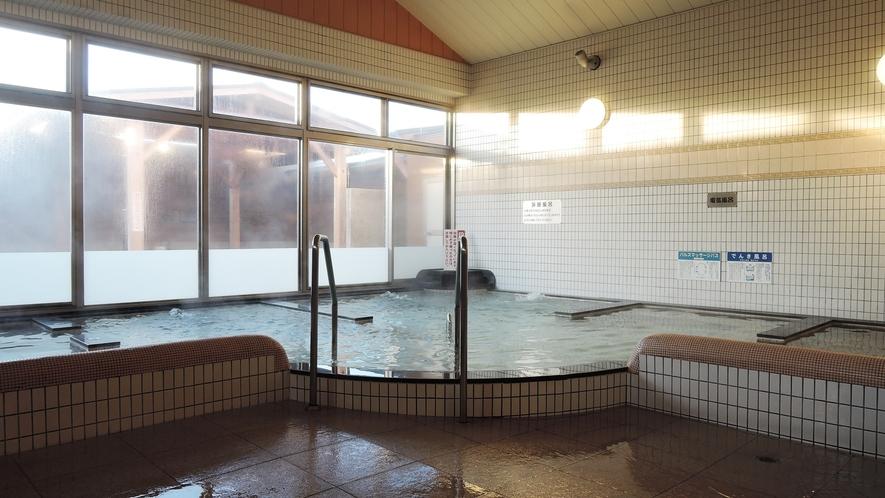 【女湯】広々大浴場では様々な種類の温泉をお楽しみいただけます