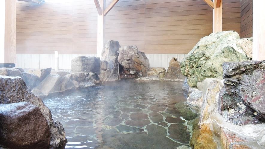 【男湯】気持ちよさは格別!露天風呂でゆっくりリラックス♪