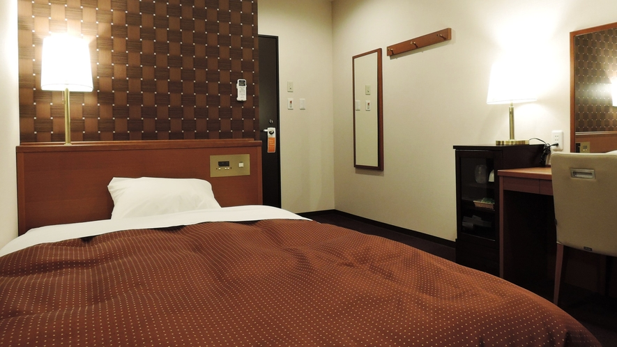 【部屋】シングル/セミダブルベッドですので、ゆったりとお休みいただけます