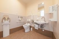 1F多目的トイレ