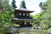銀閣寺へのアクセスも便利です。