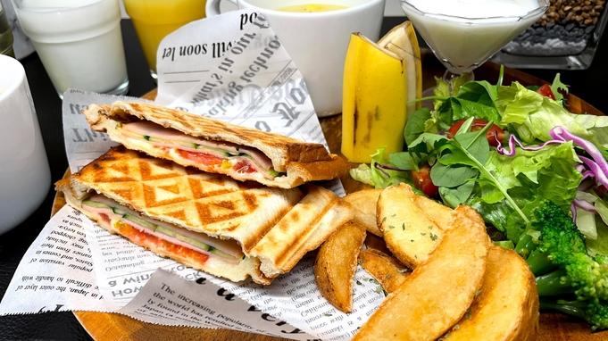【室数限定】お部屋タイプはお任せ◆ホットサンドの朝食プレート付◆