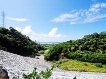 【真喜屋ダム】ダムの上流域展望スペース