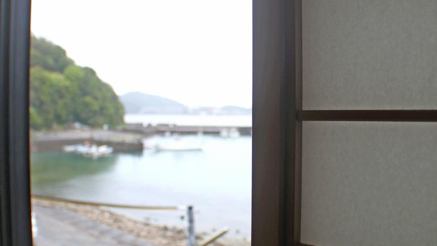 和室からの見える静かな海に癒されてください(^♪