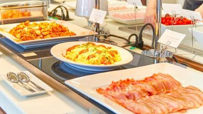 ホテルレストランでの料理(朝食)を満喫!ロボットホテル宿泊プラン!
