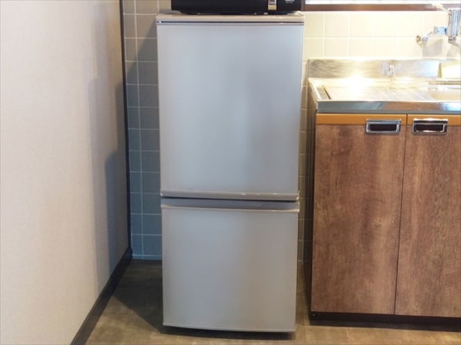 2ドア冷蔵庫(キッチン)