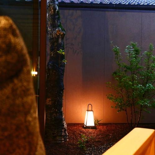 和洋室【はなみずき】プライベートガーデンを眺めながら寛ぎのひとときを