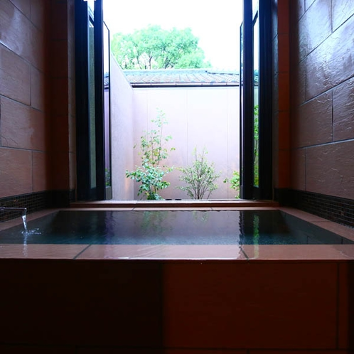 和洋室【たちばな】お庭が眺められる内風呂