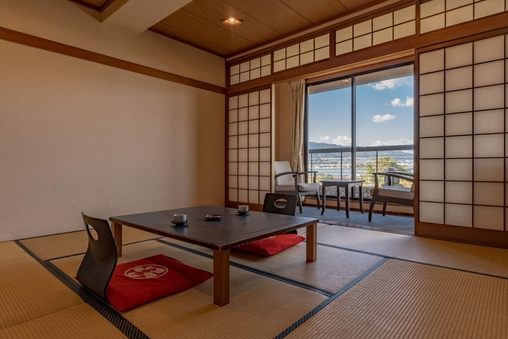 琵琶湖一望!和室8-10畳(バス・シャワートイレ付)WIFI