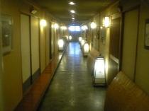 客室前廊下(二階旧館)