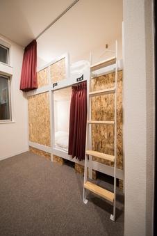 二段ベッド2台 4人部屋の二人利用