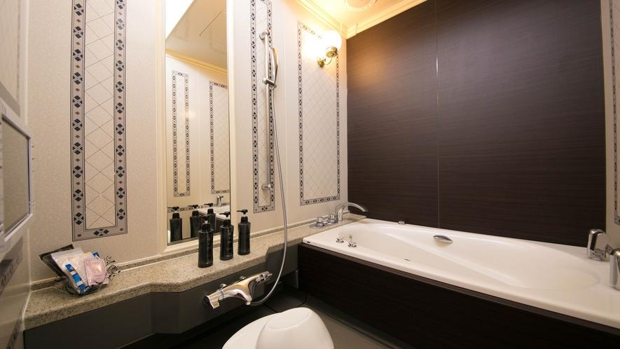 バスタブと洗い場(シャワー)は完全独立タイプです
