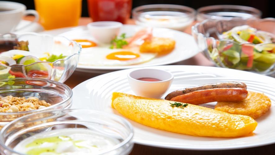 一番人気の卵料理はシェフ特製のふわふわオムレツ。