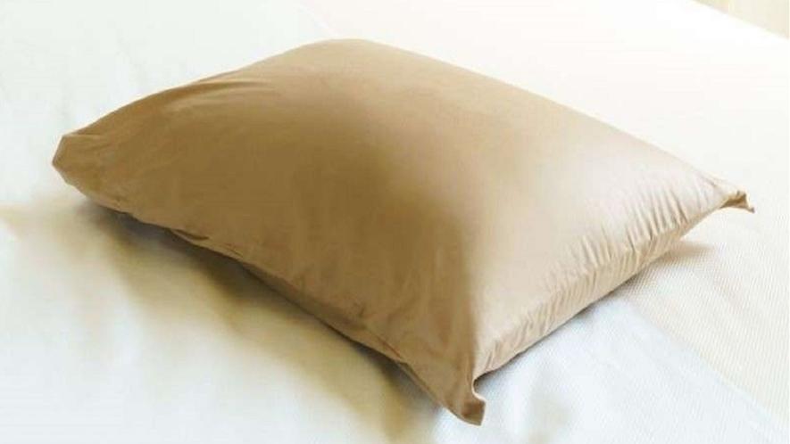 低反発の硬すぎず心地よい感触の枕です