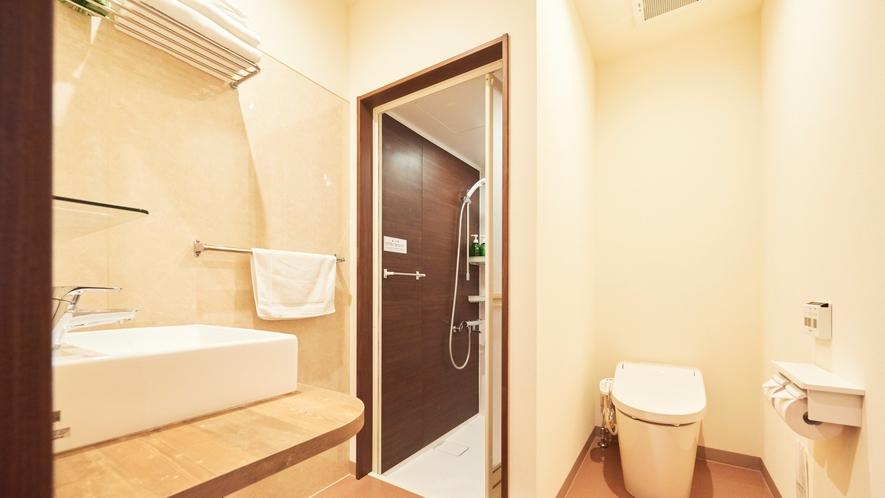 【寛楽ツインルーム】洗面所・シャワーブース